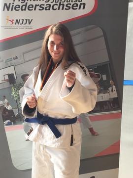 Christina Biese gewinnt bei den Gruppeneinzelmeisterschaften in Einbeck