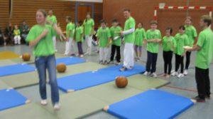 2013_kids_05-Mattenrollen.1.360