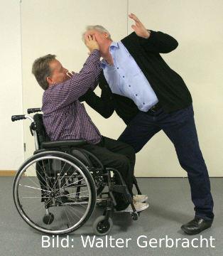 Selbstsicherheit für Rollstuhlfahrer/-innen